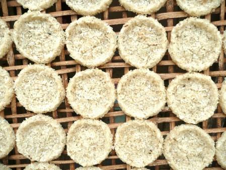 Rice cakes in Laos on eatlivetravelwrite.com