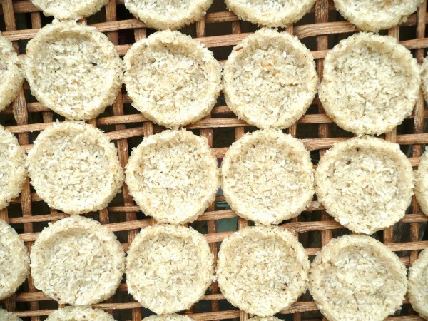 Rice cakes in Laos on eatlivetravelwrite.com