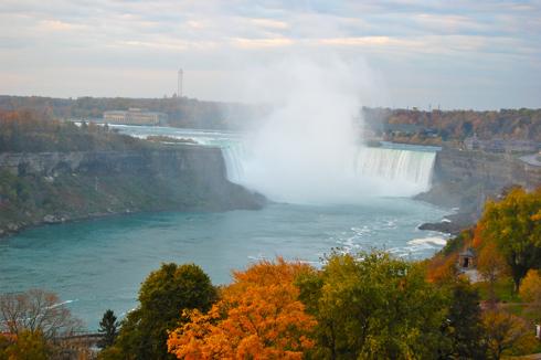 Niagara Falls Canada on eatlivetravelwrite.com