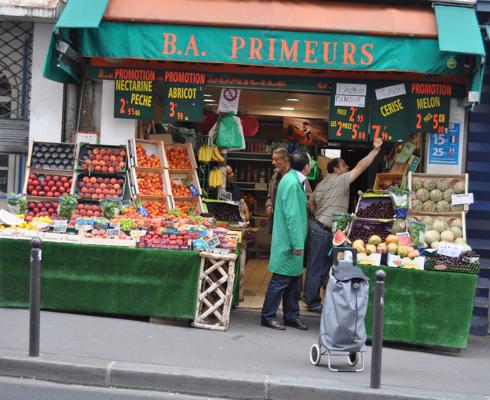 morning on the rue des martyrs on eatlivetravelwrite.com