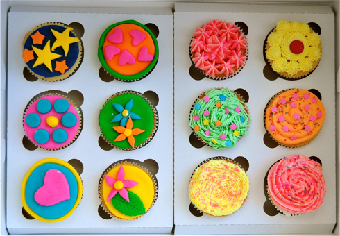 Cupcake decorating at Le Dolci, Toronto