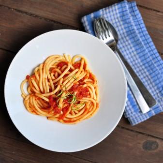 Easy tomato sauce for pasta recipe