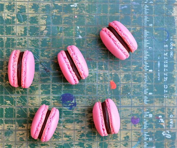 Raspberry macarons chocolate ganache