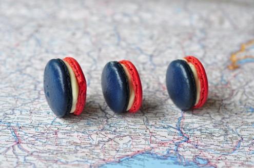 French flag macarons on eatlivetravelwrite.com