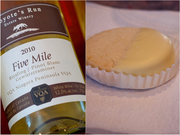 COYOTE'S RUN ESTATE WINERY 2011 Five Mile White White Chocolate Dipped Lemon Shortbread Cookie