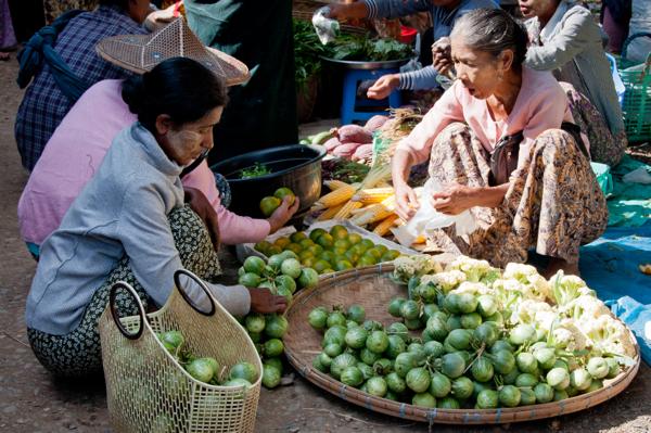 Sales at Thandwe market Burma
