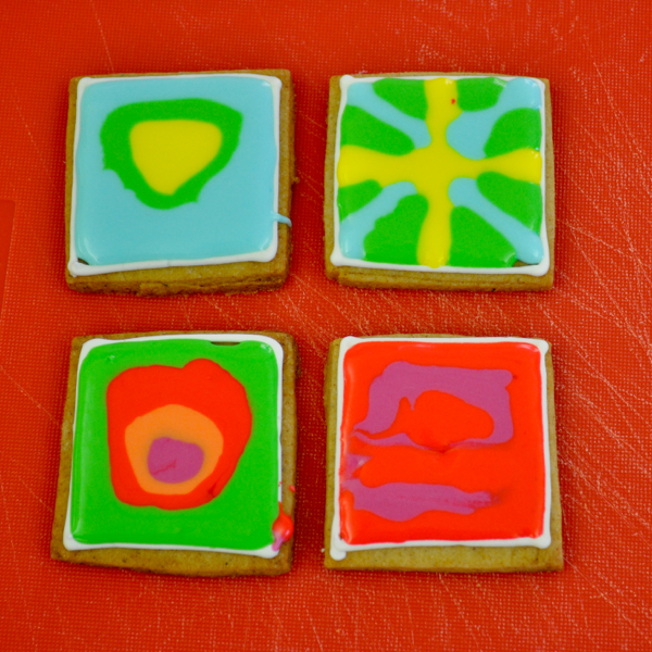 Decorating cookies with Adell Shneer of Art to Eat Cookies 4