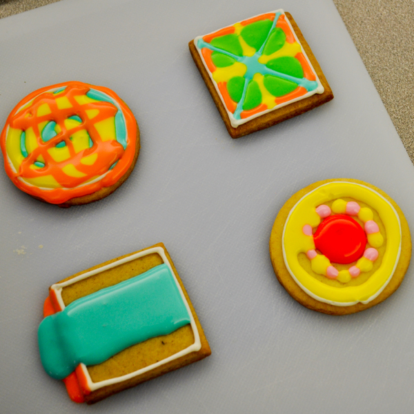 Decorating cookies with Adell Shneer of Art to Eat Cookies 5
