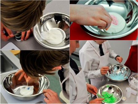 Mixing icing colours with Adelle Shneer of Art to Eat cookies
