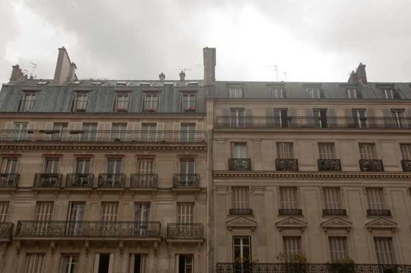 Grey skies in Paris on eatlivetravelwrite.com