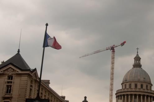 Grey skies and construction in Paris on eatlivetravelwrite.com
