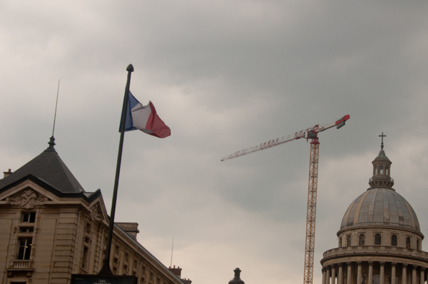 Grey skies and construction in Paris on eatlivetravelwrite.com