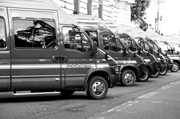 Gendarmes in Paris on eatlivetravelwrite.com