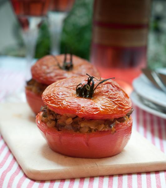 Mushrooms GO PINK Mediterranean Mushroom-Stuffed Tomatoes on eatlivetravelwrite.com