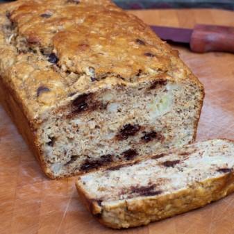Banana bread on eatlivetravelwrite.com