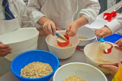 Measuring dry ingredients on eatlivetravelwrite.com