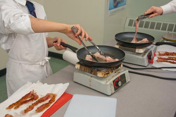 Cooking bacon #savewithJamie on eatlivetravelwrite.com