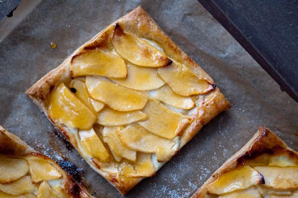 Ontario Apples French Apple tartlet on eatlivetravelwrite.com