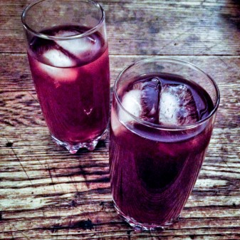 Gin, pomegranate juice, sparking water on eatlivetravelwrite.com