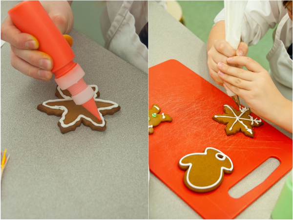 Working with royal icing on eatlivetravelwrite.com