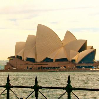 Sydney Opera House on eatlivetravelwrite.com