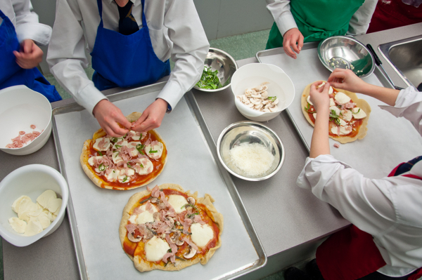 Les Petits Chefs make Jamie Oliver's cheat's pizza on eatlivetravelwrite.com