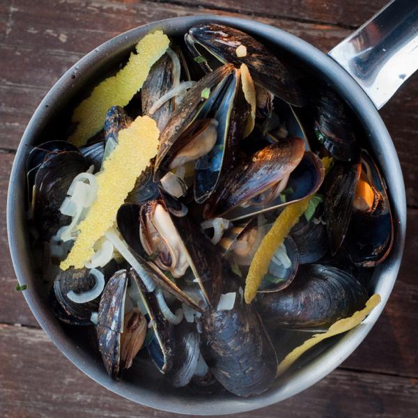 Moules Marinière on eatlivetravelwrite.com
