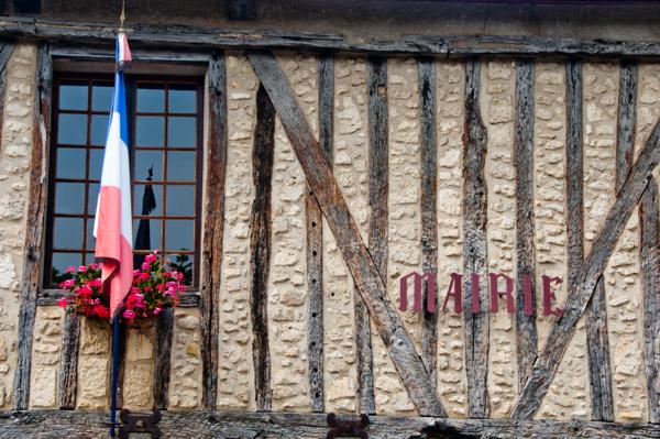 Mairie Gascony on eatlivetravelwrite.com