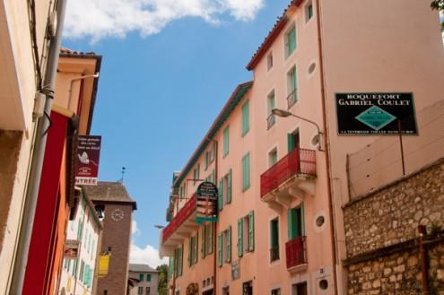 Streets of Roquefort on eatlivetravelwrite.com