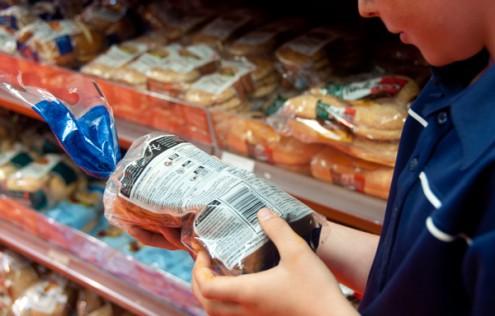 Kids checking food labels on eatlivetravelwrite.com