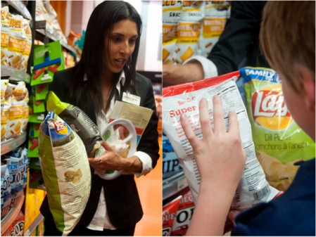 Kids working with a dietitian at Loblaws on eatlivetravelwrite.com