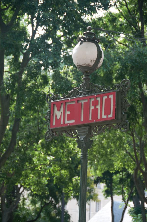 Paris Metro sign on eatlivetravelwrite.com