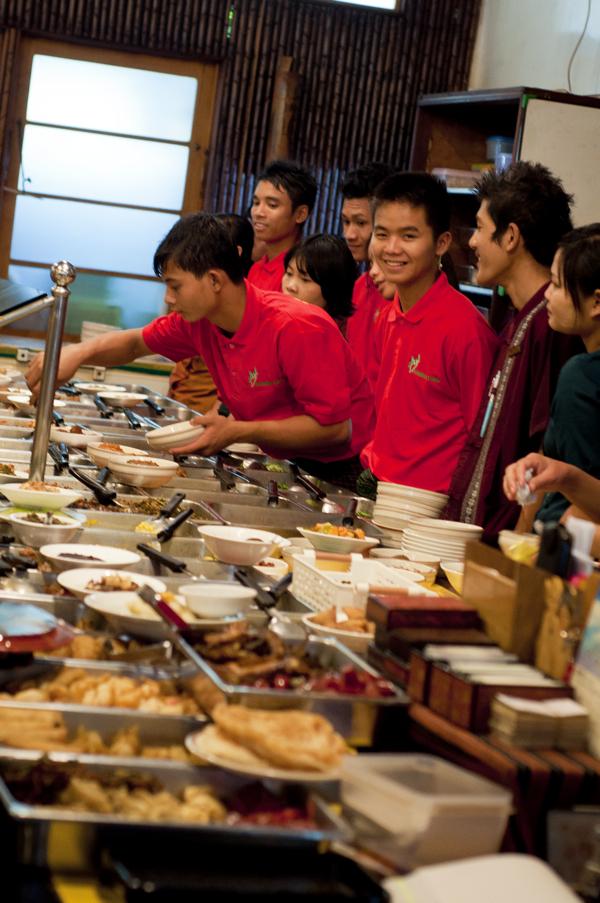 Feel Myanmar Food on eatlivetravelwrite.com