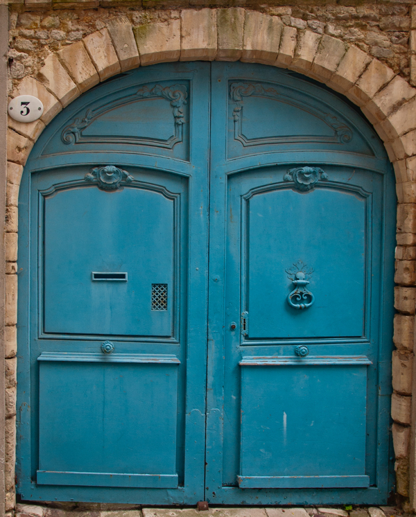 Blue door in Bayeux on eatlivetravelwrite.com