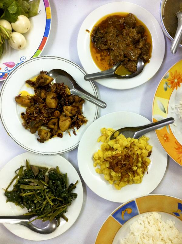 Rice table in Burma on eatlivetravelwrite.com