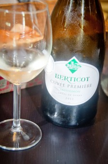 White wine tasting at La Cusine Paris on eatlivetravelwrite.com
