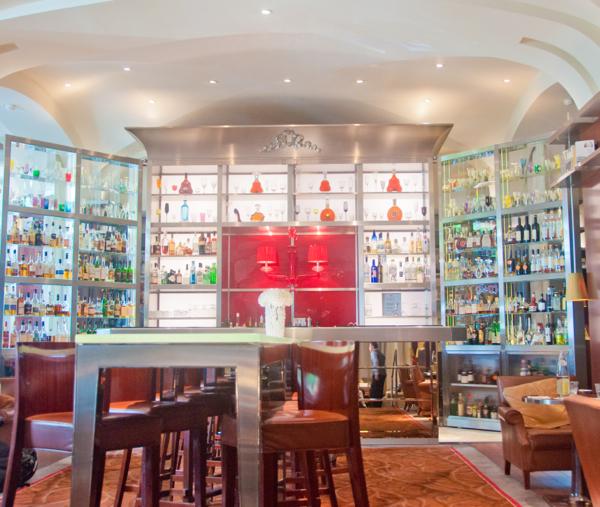 Le Bar Long in Le Royal Monceau Paris on eatlivetravelwrite.com