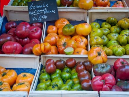 Tomatoes at Aligre market on Context Paris Aligre market tour on eatlivetravelwrite.com