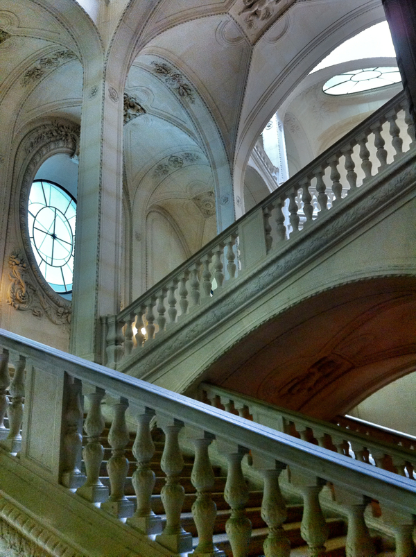 Staircase in the Louvre on THATLou on eatlivetravelwrite.com