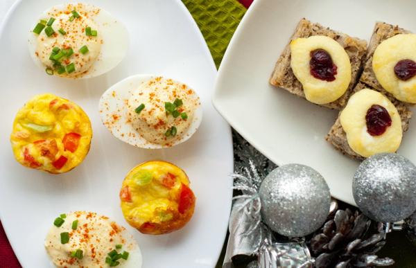 Vegetarian hors d 39 oeuvres for holiday entertaining eat for Mini canape cases