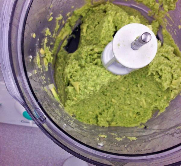 #52newFoods guacamole on eatlivetravelwrite.com