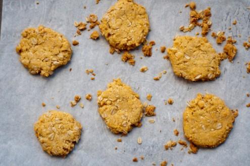 ANZAC biscuits on eatlivetravelwrite.com