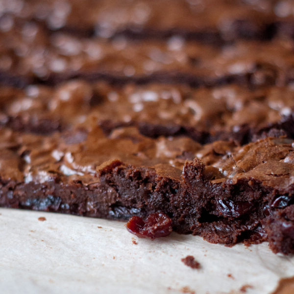 how to cut brownies without them crumbling