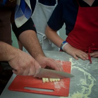 Massimo Bruno cutting pasta dough int cavatelli on eatlivetravelwrite.com