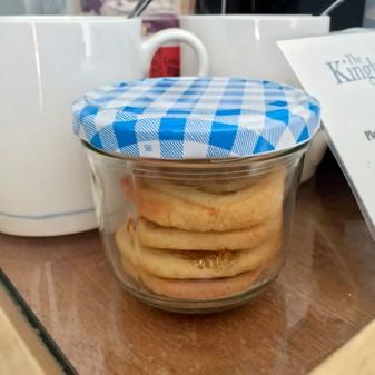 Mini bar biscuits on eatlivetravelwrite.com