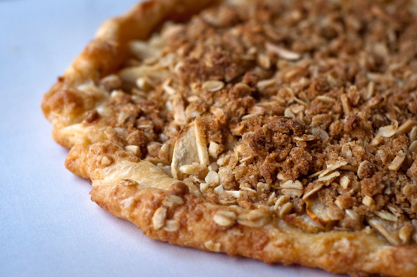 Apple crumble galette on eatlivetravelwrite.com