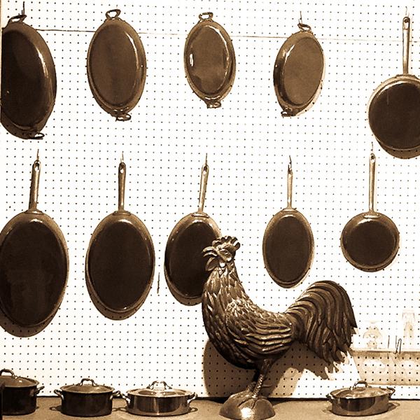 Inside Dehillerin on eatlivetravelwrite.com