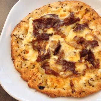 Beef on Weck pizza at Savor in Niagara Falls New York on eatlivetravelwrite.com
