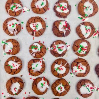 Mint crinkle cookies on eatlivetravelwrite.com