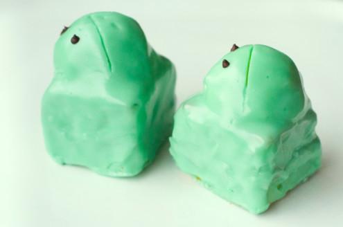 Frog cakes on eatlivetravelwrite.com